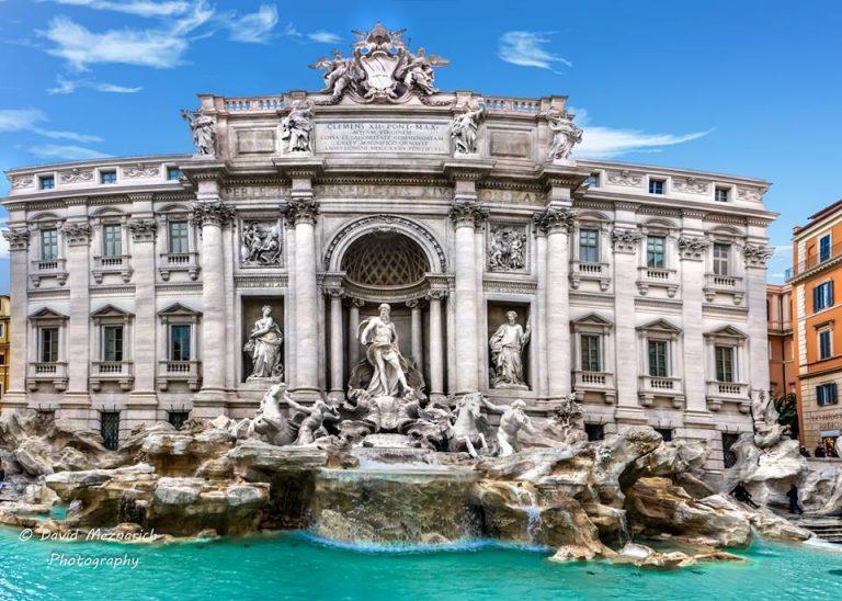 Fontana di Trevi: le monete andranno al Comune
