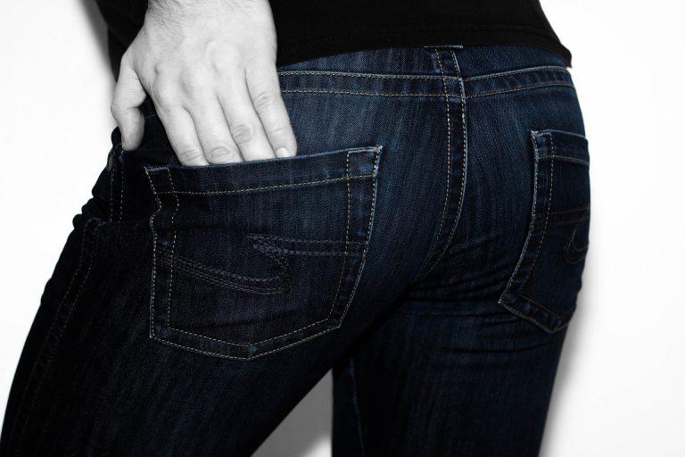 Scarpe e jeans da uomo: l'outfit migliore da scegliere