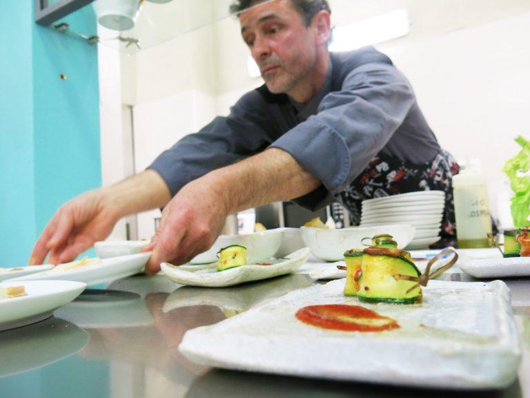 Bologna, muore cadendo dallo scooter lo chef francese Lionel Joubaud