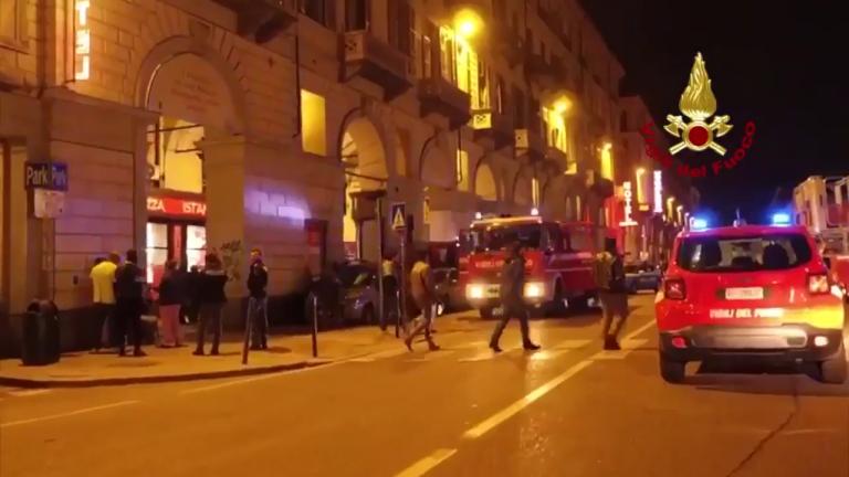 Torino, incendio doloso in un ristorante arabo: sessanta evacuati