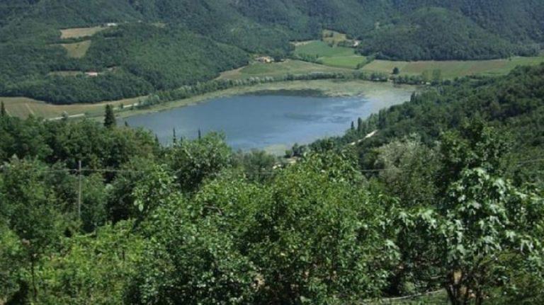 Trovato cadavere al lago di Fimon: indagini in corso