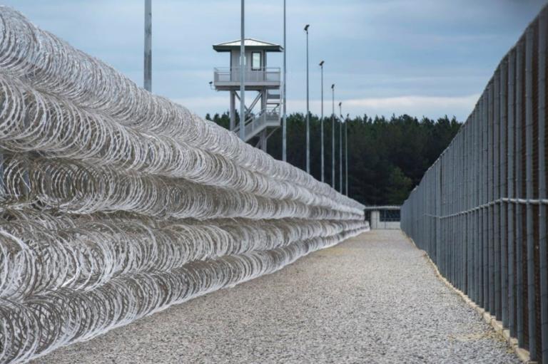 Usa, maxi rissa nel carcere di massima sicurezza: 7 detenuti morti