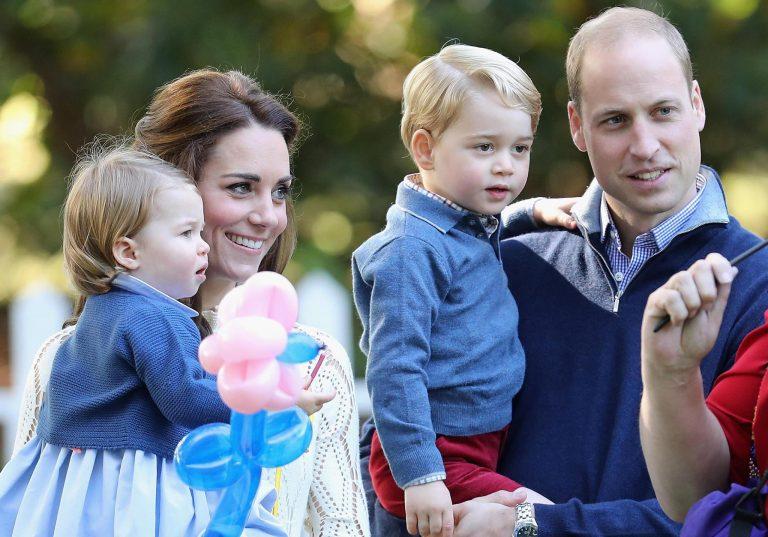 Attesa per il nome del terzo royal baby, e William si lascia sfuggire un indizio
