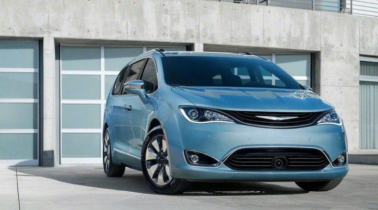 Chrysler Pacifica ibrida