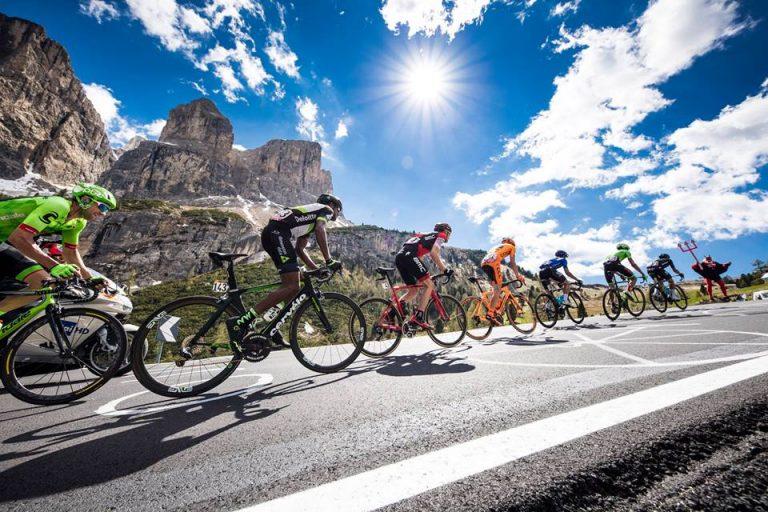Giro d'Italia, Viviani sprinta a Iseo e Yates conserva la maglia rosa