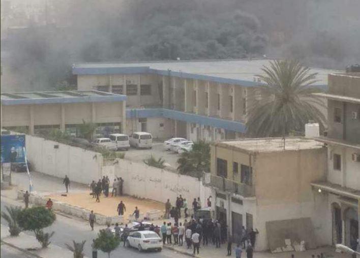 Libia, attentato alla commissione elettorale: kamikaze si fa esplodere, ci sono vittime
