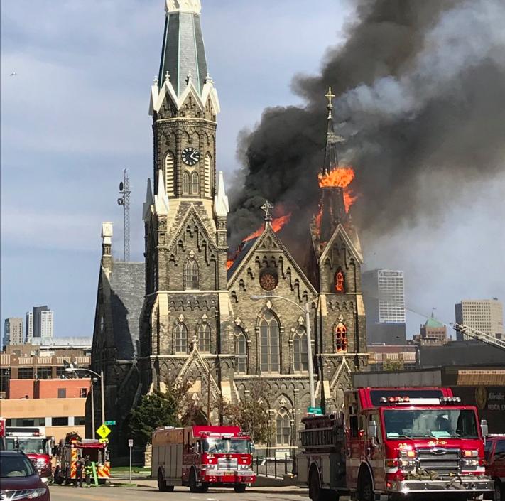 Chiesa storica in fiamme nel Wisconsin