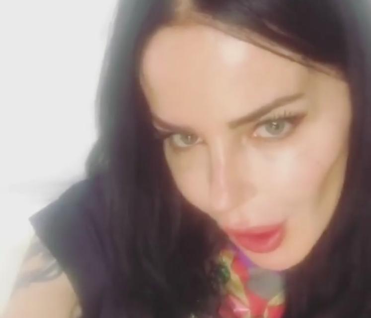 Nina Moric risponde alle accuse su Instagram