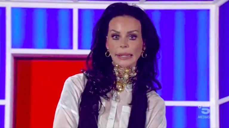 Nina Moric e le altre vittime della bellezza a ogni costo
