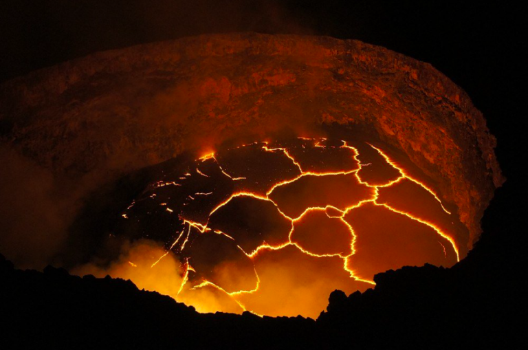 Il vulcano Kilauea continua a danneggiare le Hawaii