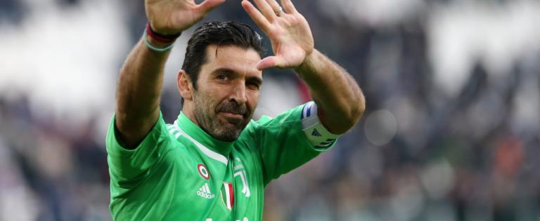Buffon annuncia l'addio alla Juve ma non al calcio