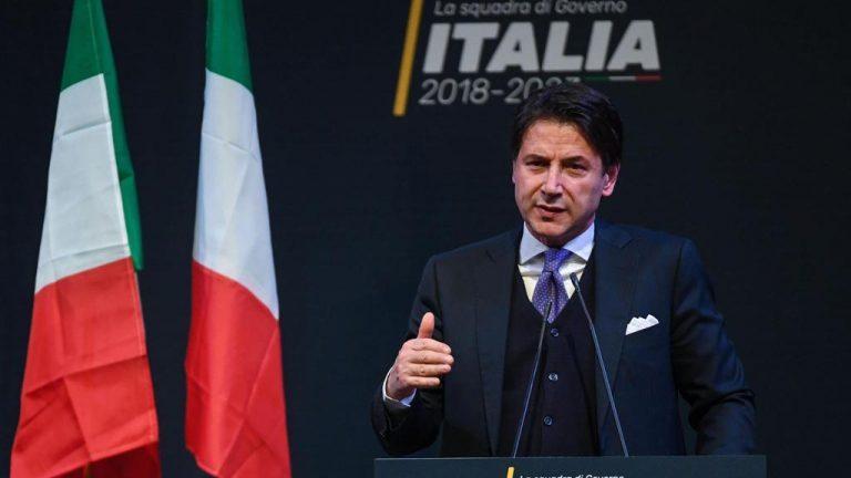 Conte contro Renzi