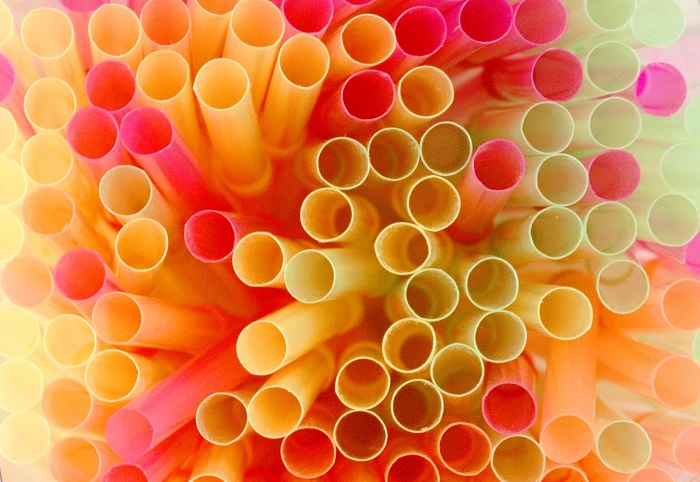 McDonald's, da settembre stop a cannucce di plastica nel Regno Unito