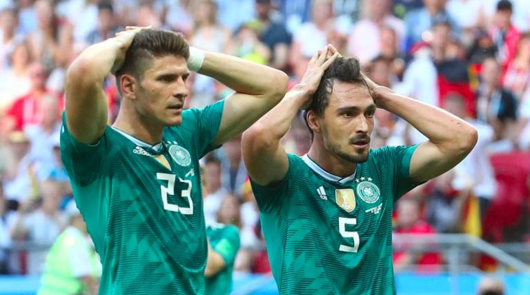 Germania sconfitta, esultano gli italiani sui social