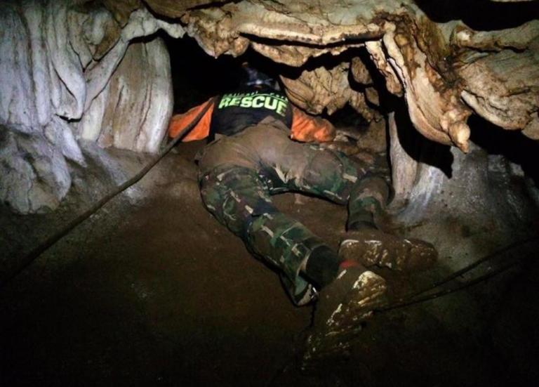 12 ragazzi thailandesi bloccati in una grotta