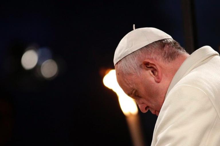 Pedofilia: Papa rimuove altri due vescovi del Cile