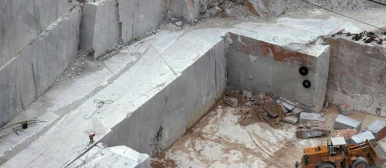 Operaio morto sul lavoro a Carrara