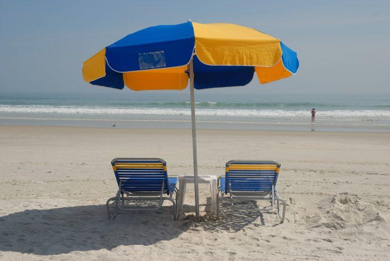 Ombrelloni da spiaggia.