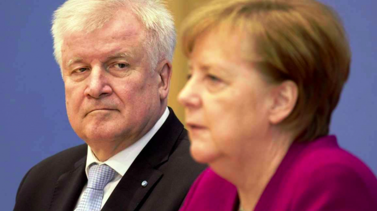 Germania, scontro tra Seehofer e Merkel sui migranti