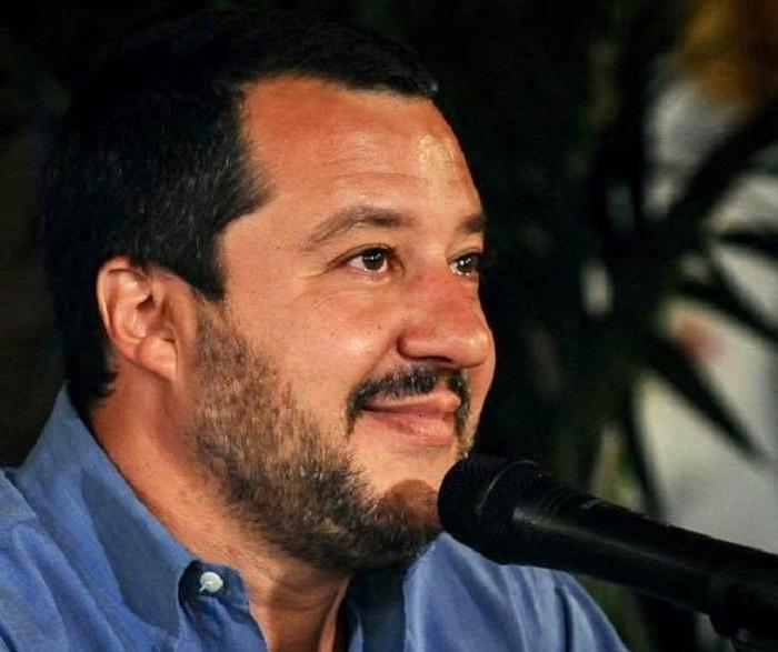 Aiuti e seimila euro a migrante, ma Salvini boccia l'Ue