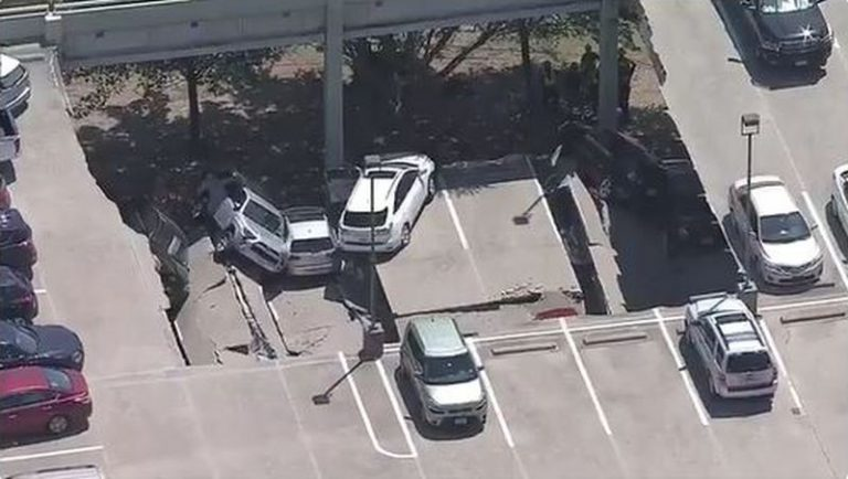 Crollo parcheggio Texas