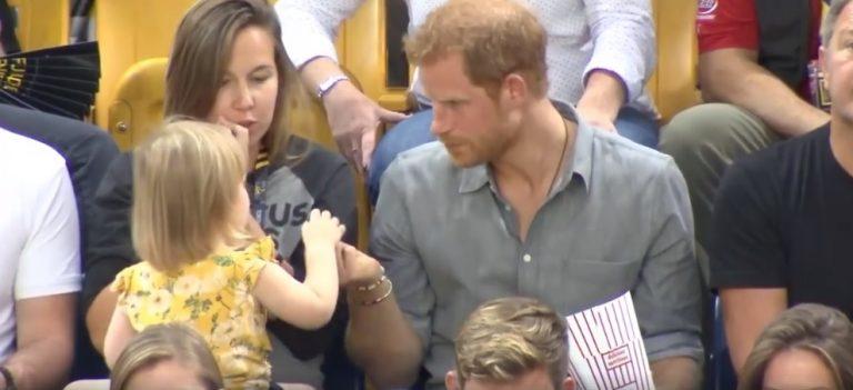 Bimba ruba i popcorn a Harry