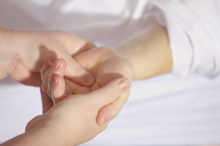 Genitori no alla chemio per la figlia 14enne, lei muore