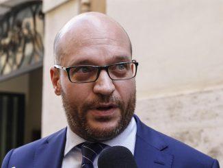"""Fascismo, ministro Fontana: """"Aboliamo la legge Mancino"""""""