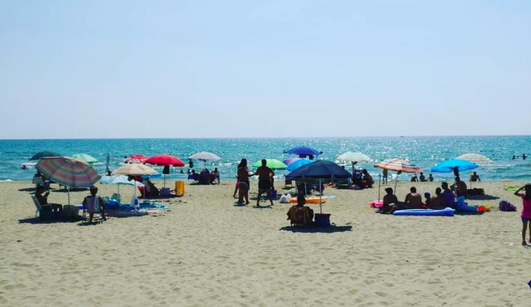 Malore in spiaggia, morto ex carabiniere