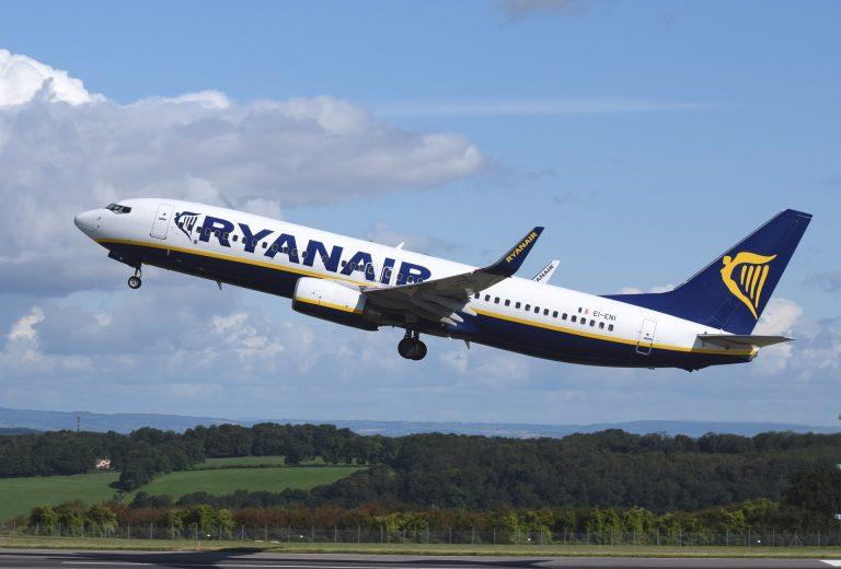 Ryanair: da novembre si paga il bagaglio a mano