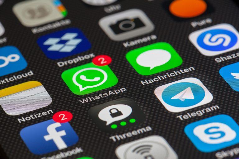 Whatsapp: chiusi migliaia di account, gli utenti preferiscono Telegram