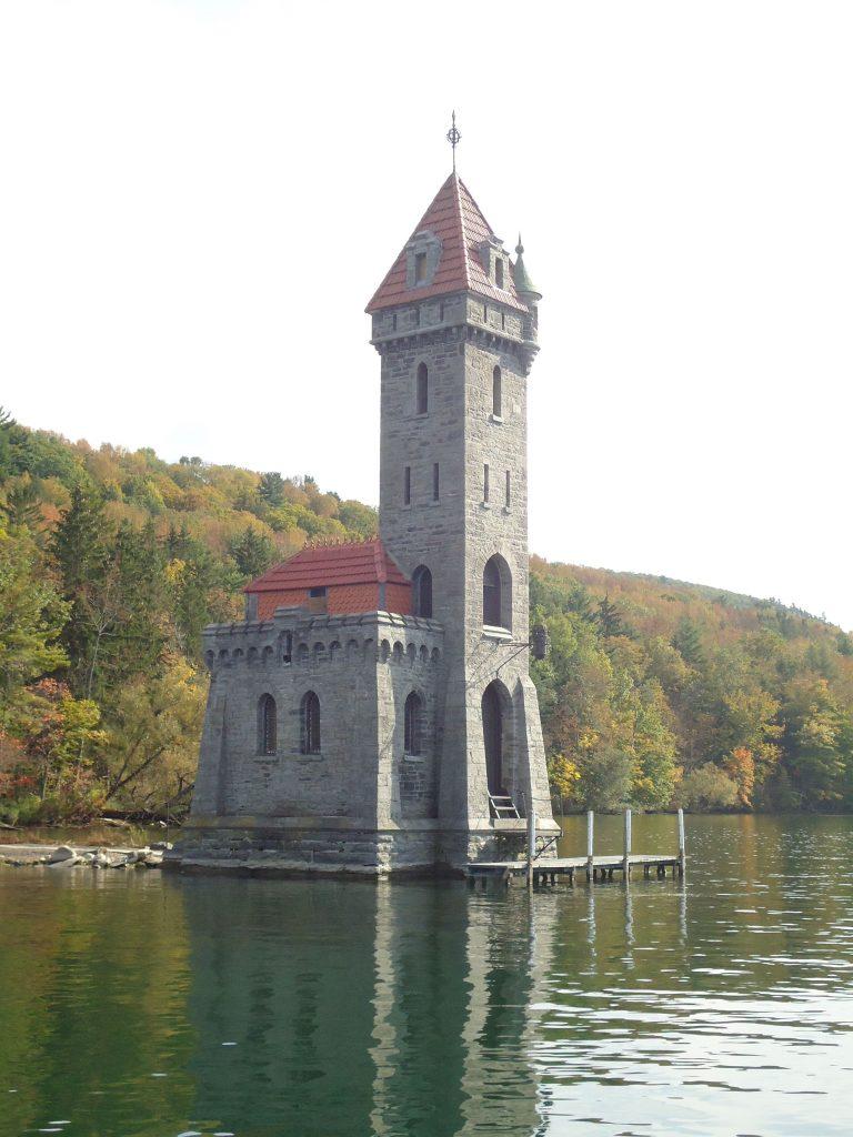 castello kingfisher 768x1024