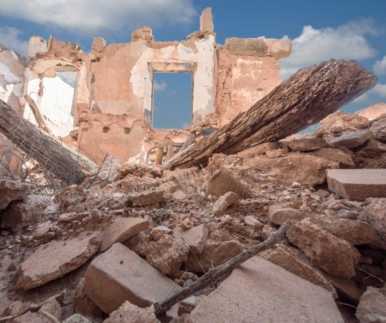 Siria, la palazzina esplode: tragico bilancio.
