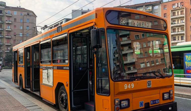 Blocca bus a Milano