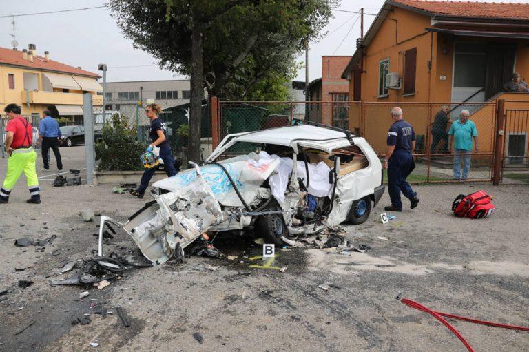 Incidente mortale, muore un 22enne