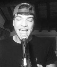 Leo canta