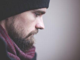 Barba incolta: come curarla naturalmente