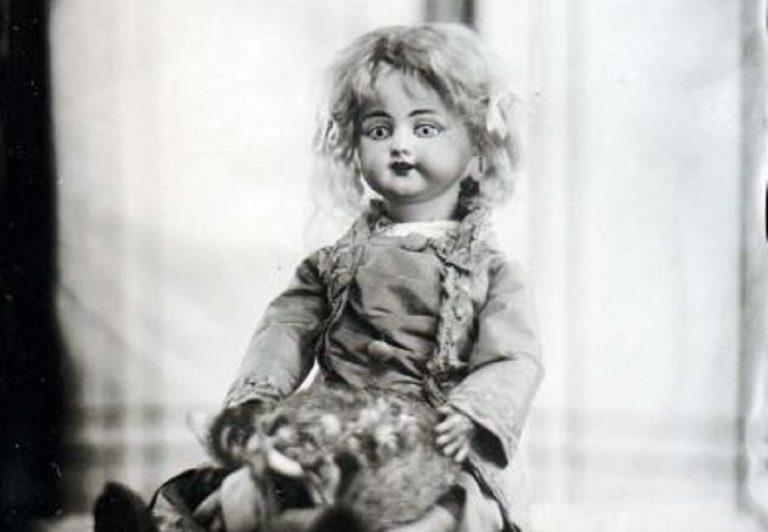 """Il """"piccolo mostro"""" di Edison, una bambola parlante"""