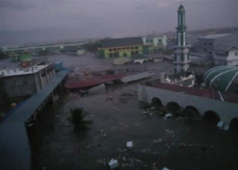 Indonesia, tsunami travolge l'arcipelago