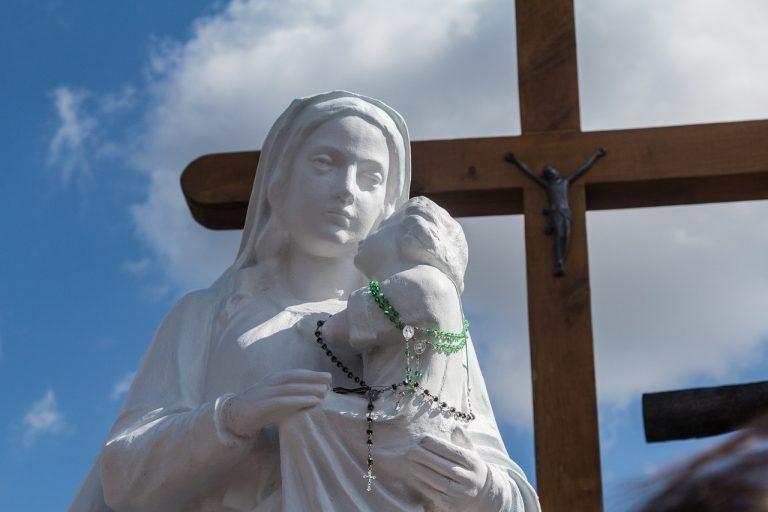 Bestemmiare la Madonna si può