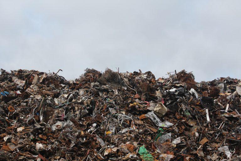 Il piano del Ghana per sbarazzarsi dei rifiuti elettronici