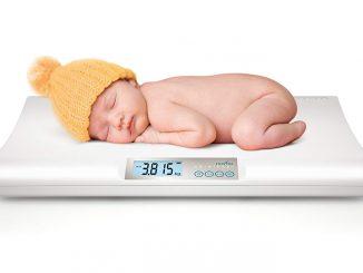 Bilancia digitale per neonati.