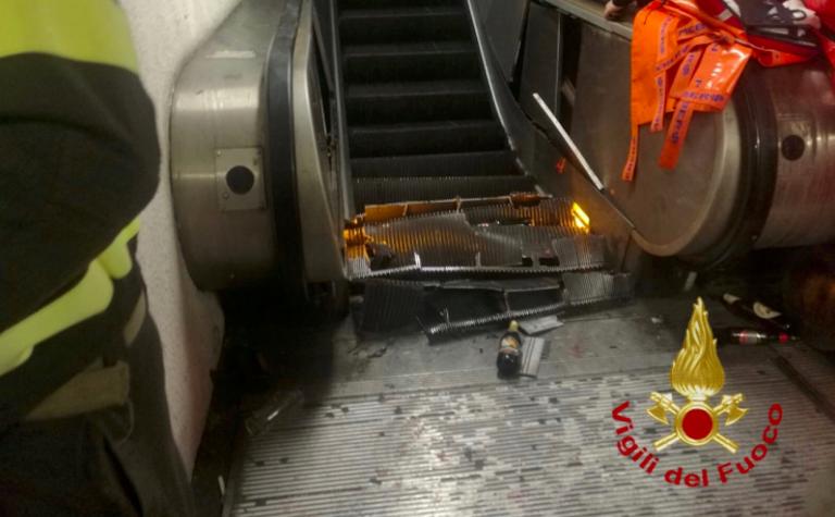 Metro Roma, crollata scala mobile a Repubblica