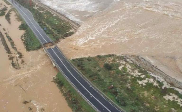 Sardegna, una donna dispersa e 49 persone evacuate