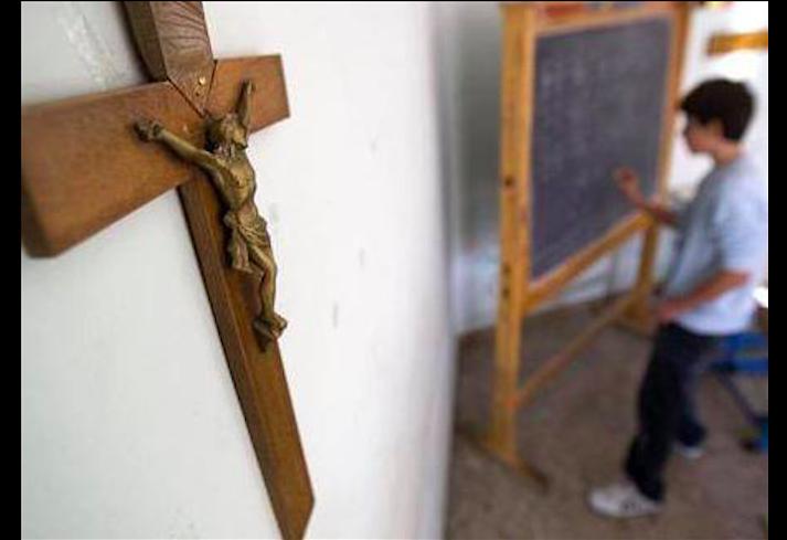 crocifissi nelle scuole opposizione
