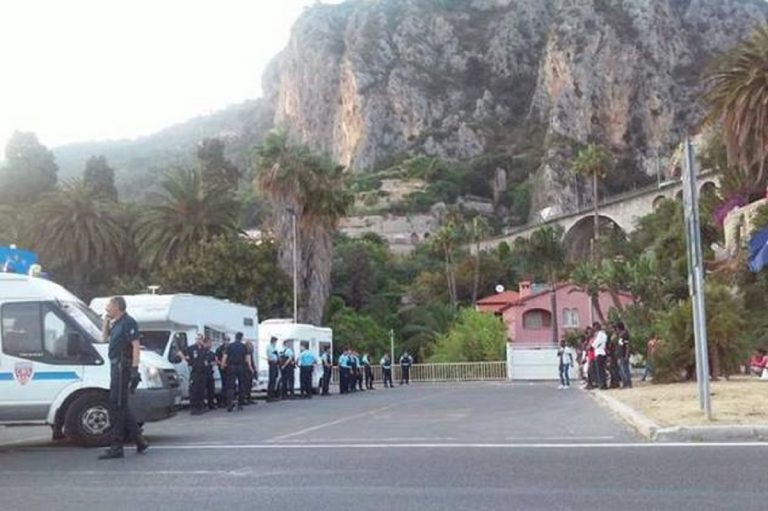 Francia tenta di rimandare in Italia anche minori