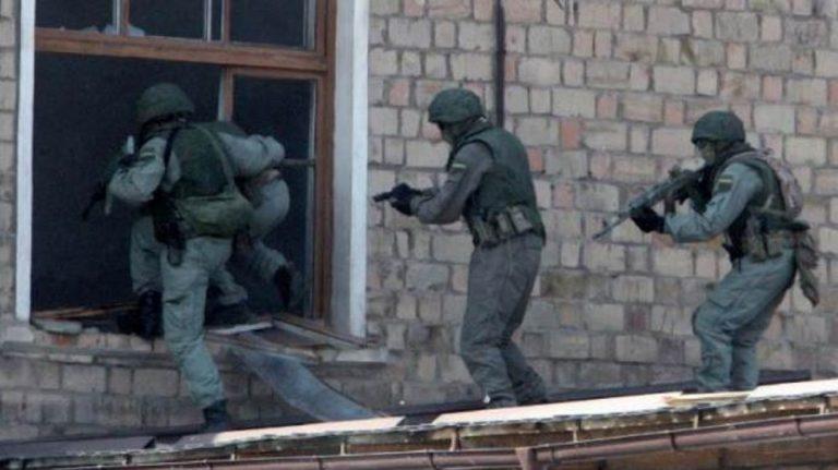 Crimea, esplosa una bomba in una scuola: 13 morti