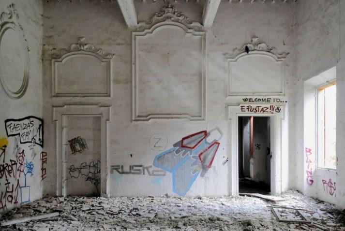 graffiti villa 713x478