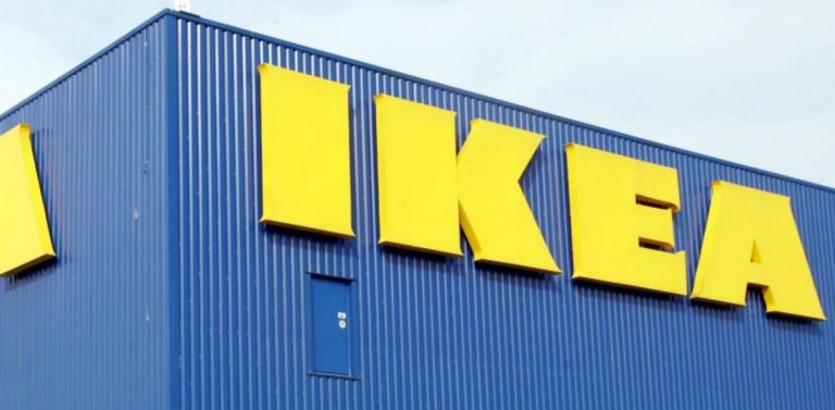 Errore alle casse ikea padre e figlia finiscono in for Casse da morto ikea