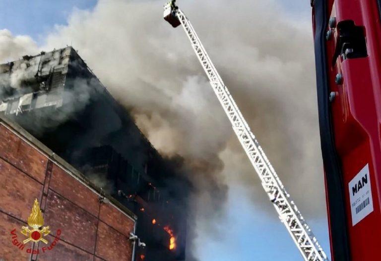incendio autorità portuale savona
